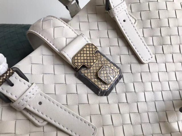 BV original calfskin medium piazza bag 276989 white